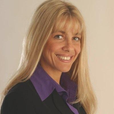 Gabriela Azar